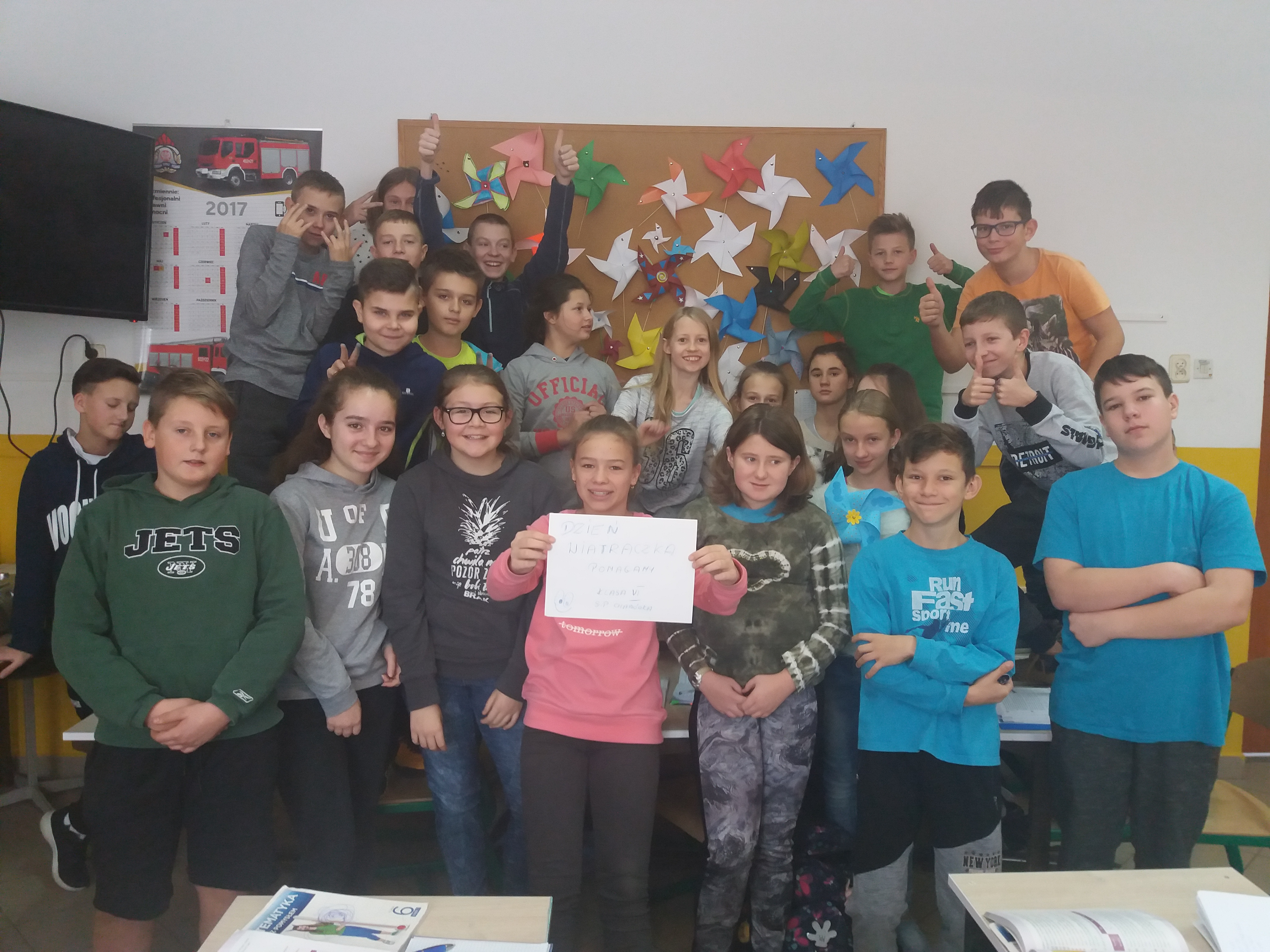 Szkoła Podstawowa w Chabówce podczas Dnia Wiatraczka